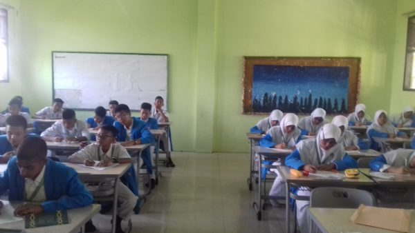 Pelaksanaan Ujian Tengah Semester 2 2017/2018