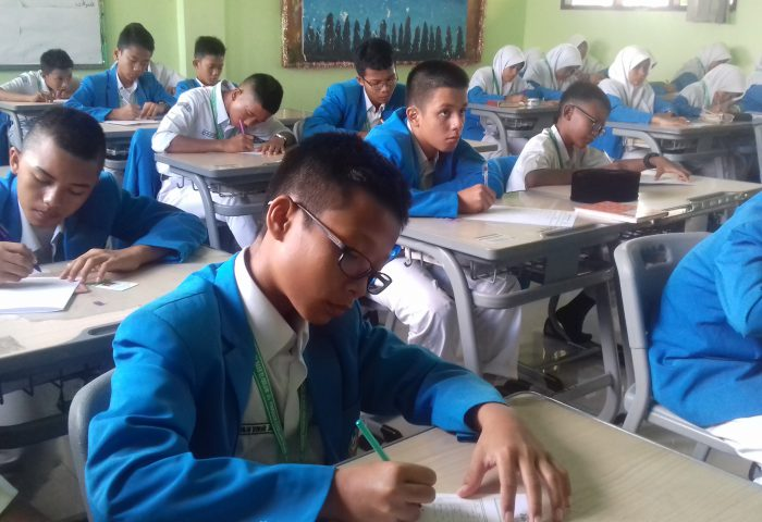 Pelaksanaan Ujian Tengah Semester 2017/2018 Semester 2  - 20180304 091440 700x480 - Murâja'ah 'Ammah Semester 2 Tahun Ajaran 2017/2018