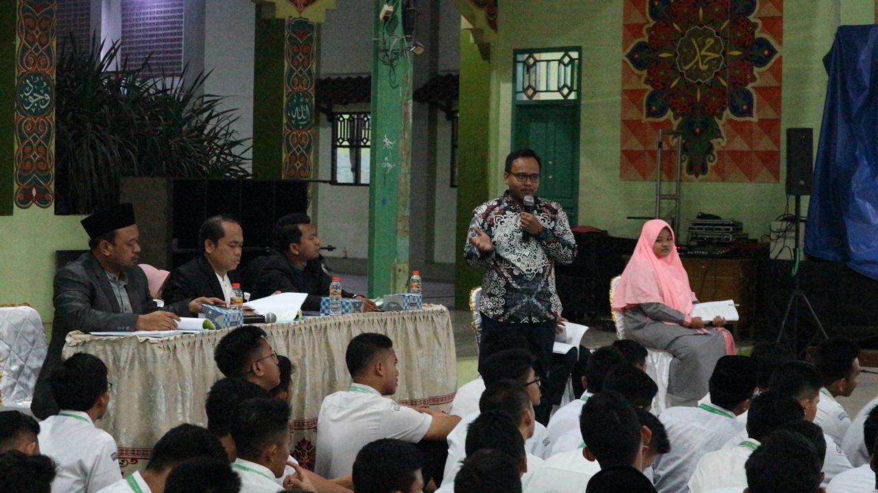 - IMG 6191 1280x719 - Mengintip Serunya Penelitian Santri dalam Sidang Perdana Karya Tulis Ilmiah (KTI) 2019