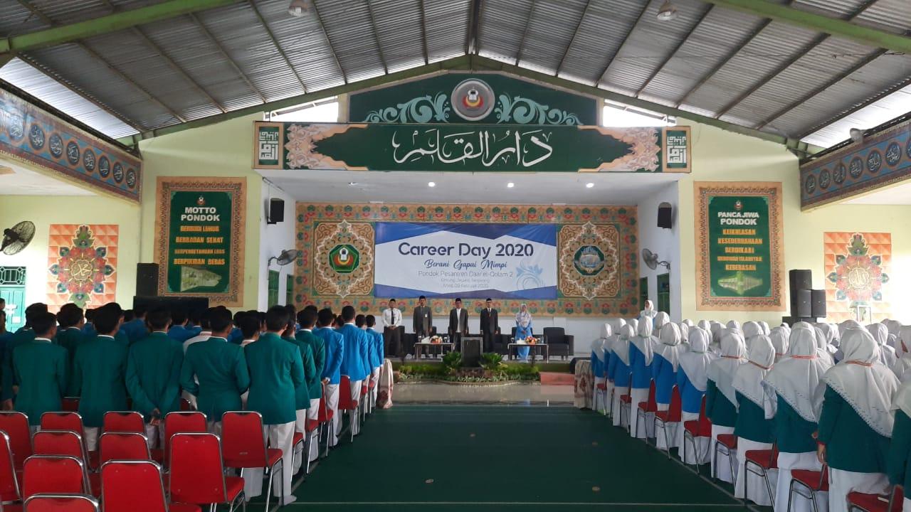 """- WhatsApp Image 2020 02 09 at 07 - Menimba Inspirasi dari Para Alumni di Acara """"Career Day 2020, Berani Gapai Mimpi"""""""