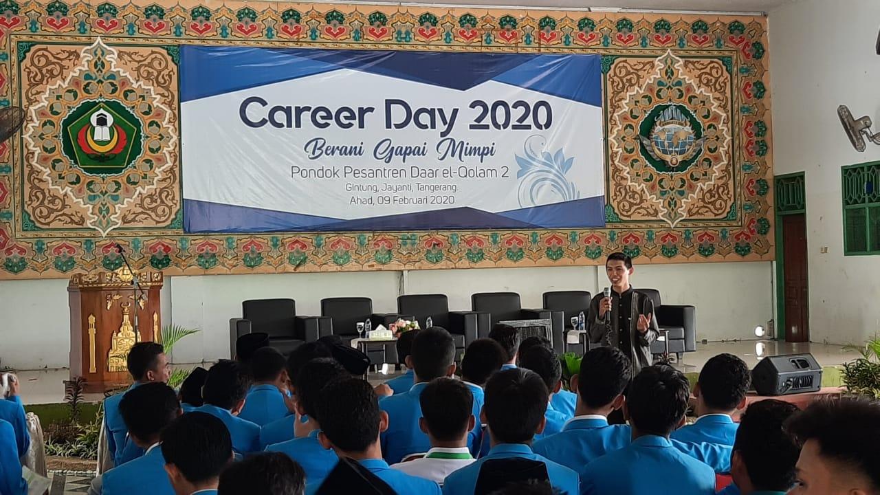 """- WhatsApp Image 2020 02 09 at 10 - Menimba Inspirasi dari Para Alumni di Acara """"Career Day 2020, Berani Gapai Mimpi"""""""